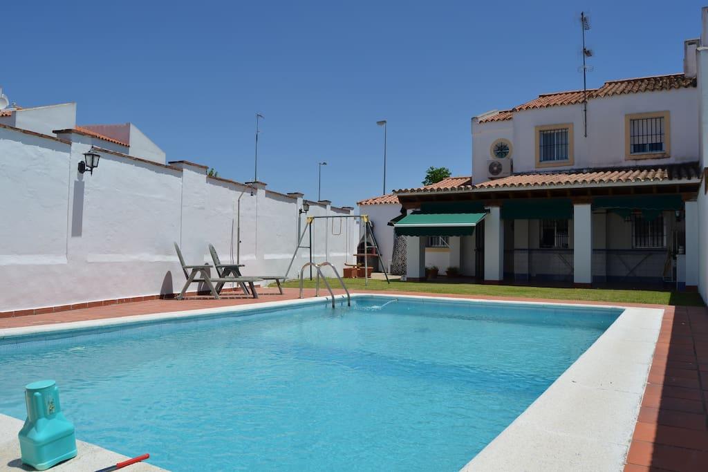 Casa con jard n y piscina privada casas en alquiler en el puerto de santa mar a andaluc a espa a - Casas en el puerto de santa maria ...