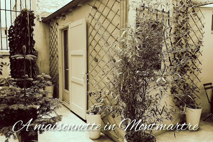 A little house in the heart of Montmartre