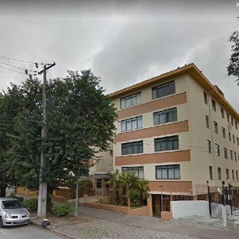 Lindo apartamento em Curitiba - Quarto 1B -solt.