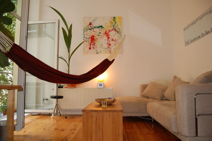 WG-Zimmer im Herzen Berlins / Room in Shared Flat - Berlín - Dům