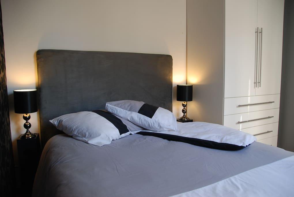 Lit confortable 140 x 200 - Confortable bed 140 x 200