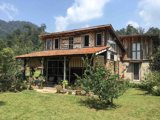 The Nurin Cottage - Your fully  furnished homestay