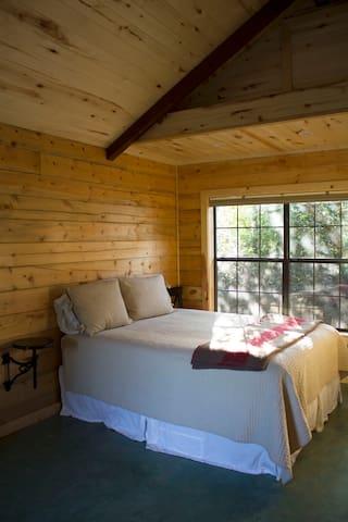 West Cabin - Hempstead - Blockhütte