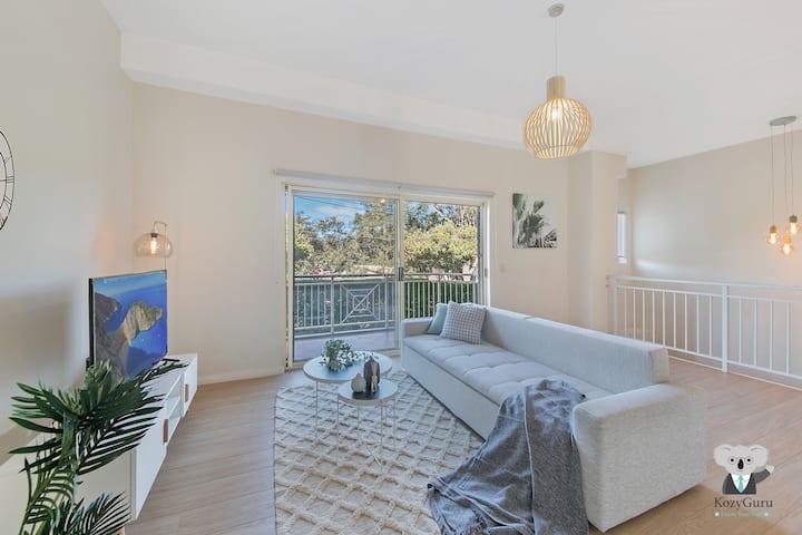 KOZYGURU | Marsfield | Walk To Macquarie University | 3 Bedroom Renovated House