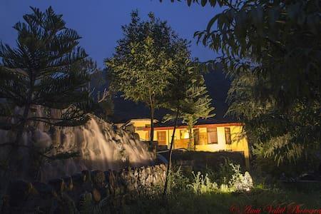 H2O House - Chamba - บ้าน