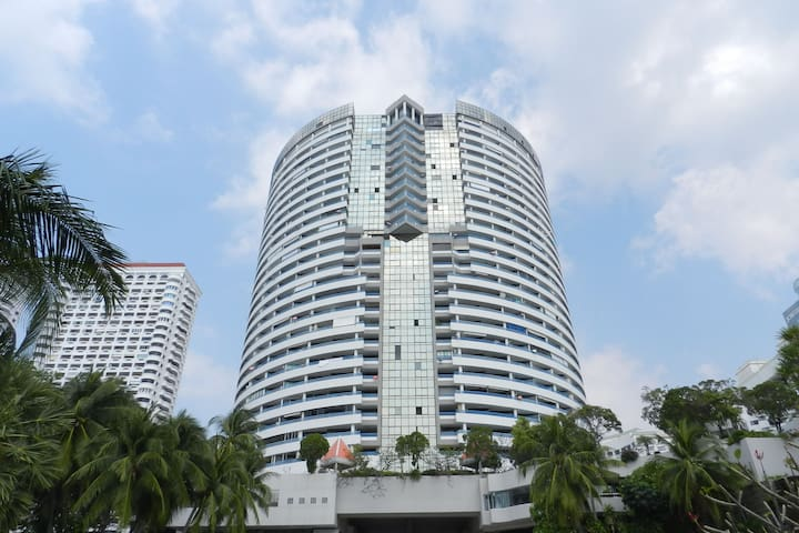Jomtien Plaza Condotel. Studio for 3 people.