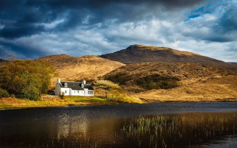 Arienskill Cottage in Scottish Highlands