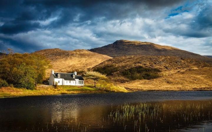 Arienskill Cottage in Scottish Highlands