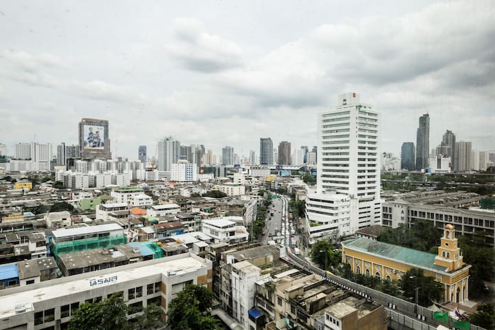 Studio Room at centre of Bangkok