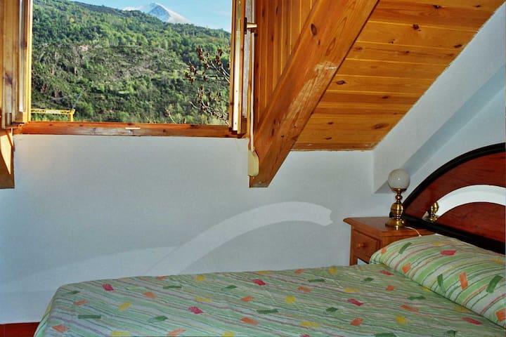 Abuhardillado, preciosas vistas - Villanova - Apartment