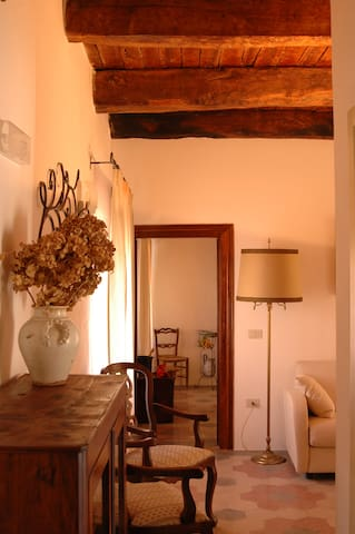 Charming Suite in the Medieval City - Pico - Bed & Breakfast