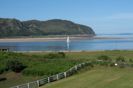 Deganwy Beach - 3 bedroom house - Dom