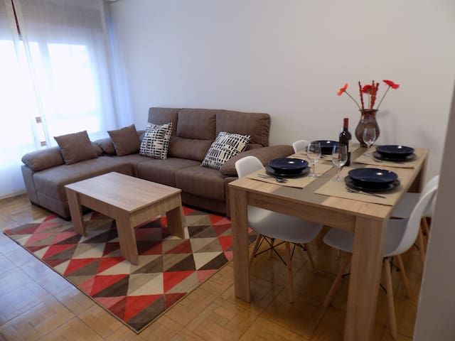 Stunning downtown apartment with wifi and parking - Oviedo - Apartemen