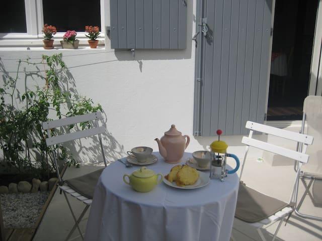Chambre d'hôtes/petit déjeuner proche centre-ville - La Rochelle - Bed & Breakfast