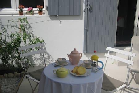 Chambre d'hôtes/petit déjeuner proche centre-ville - La Rochelle