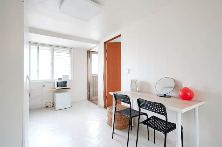 Rooftop - Cheap yet comfy stay in Seoul
