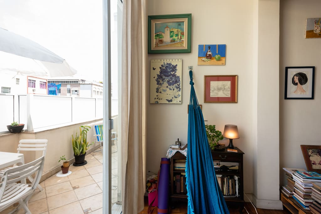 living room / hammock