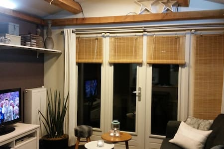 Cottage / privé outdoor jacuzzi Etten-Leur