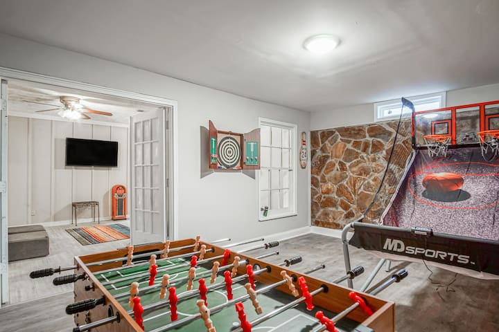 Family Getaway Game Room Pet Friendly Sleeps 15 Houses For Rent In Lithonia Georgia United States