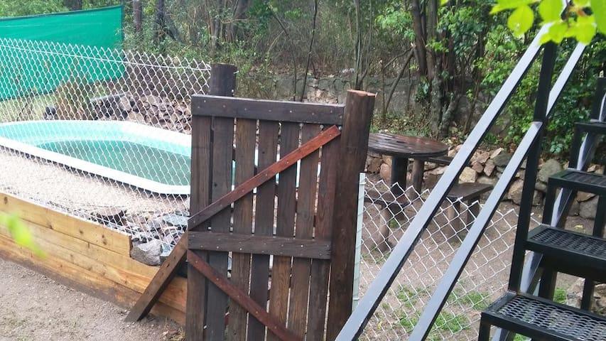 Tranquera de seguridad  para acceso a  Piscina