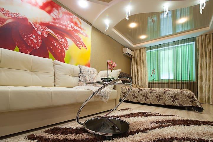 2х-комн.апартаменты LUX с 2мя спальнями г.Волжский - Volzhskiy - Apartamento
