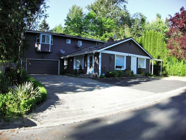 Rejuvenating Retreat near Seattle - Lake Forest Park