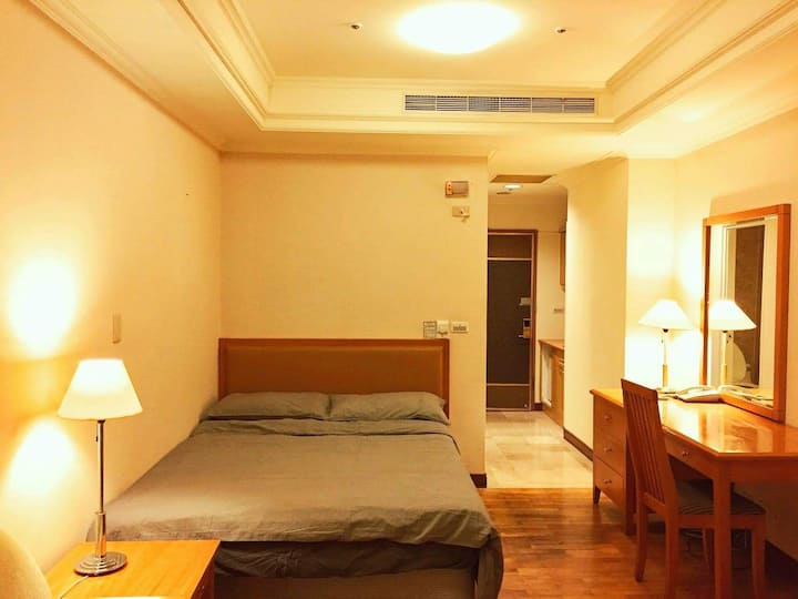 Hotel Room In ParkLaneInn/Top Floor Suite/Taichung