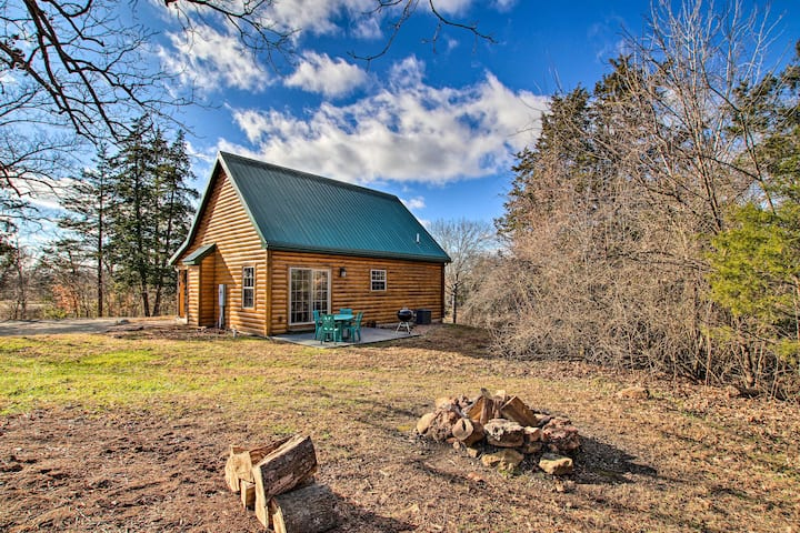 Updated Rural Retreat in New Haven Near Vineyards!