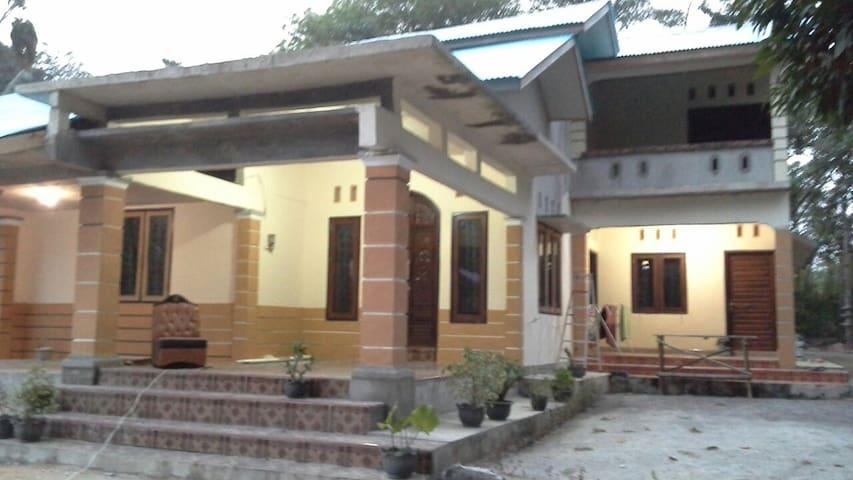 Homestay Panji & Vadila - Tanjung Pandan - Dom