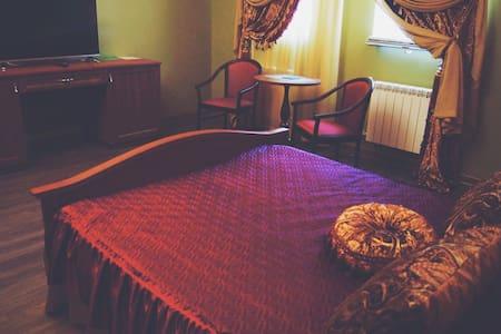 "Гостевой дом,  ""Dubai de luxe "" - Тольятти - Departamento"