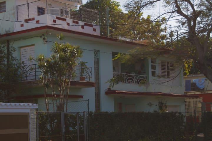 Casa Luis 7ma - La Habana - Rumah
