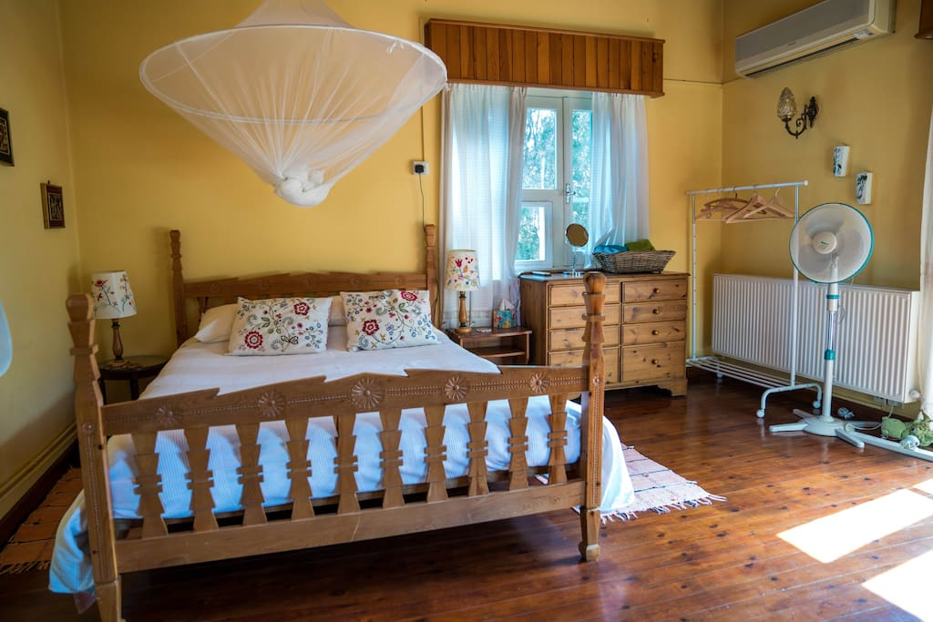Large Bedroom with Double bed Air Conditioning and central heating.