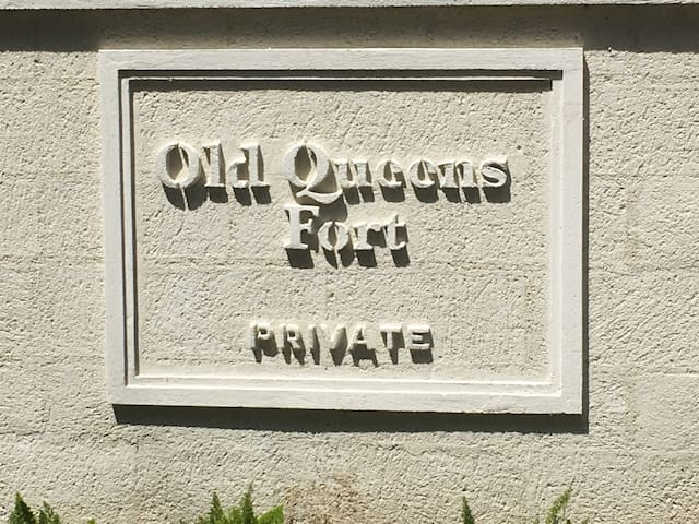 Main Signage to private Old Queens Fort estate where the villa is located.