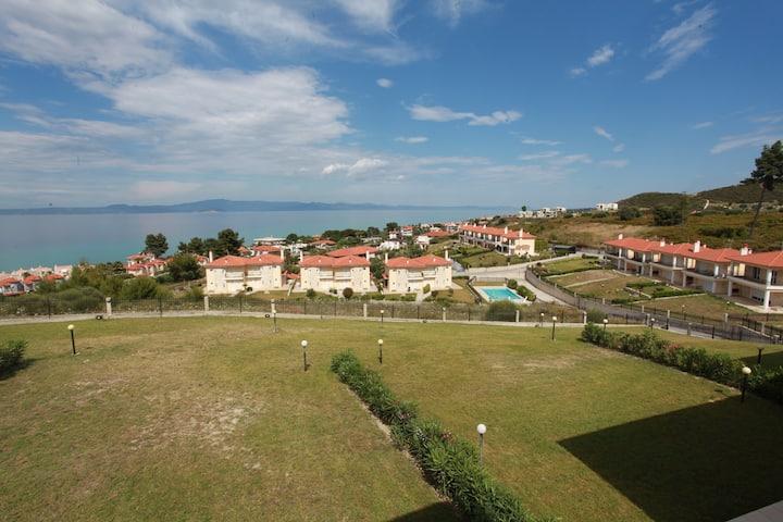 Amazing view, beautiful house - 2