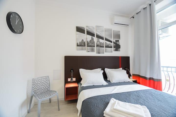Designed studio apartment with balcony ID971