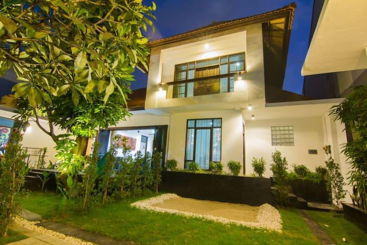 Kong Villa Bali
