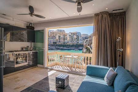 Nicolina - Apartment with Amazing View Close to the Sea & Shared Rooftop Terrace