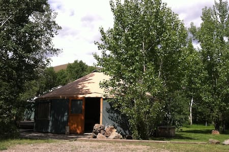 Perfect Yurt Staycation Home near Craters