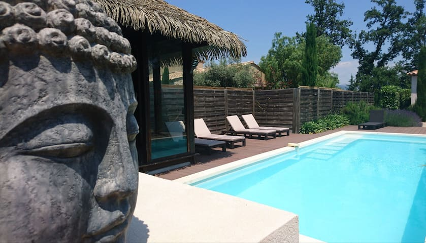 Villa Design, class 3*, adult only, pool, AC, Wifi