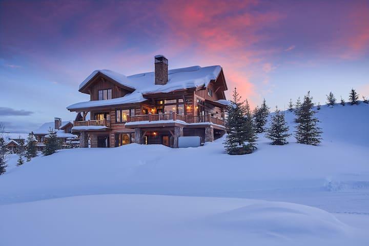 Ski-in/Ski-out Cabin in Spanish Peaks!