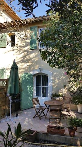 Apartment of 70m² with terrace - Marseille - Leilighet