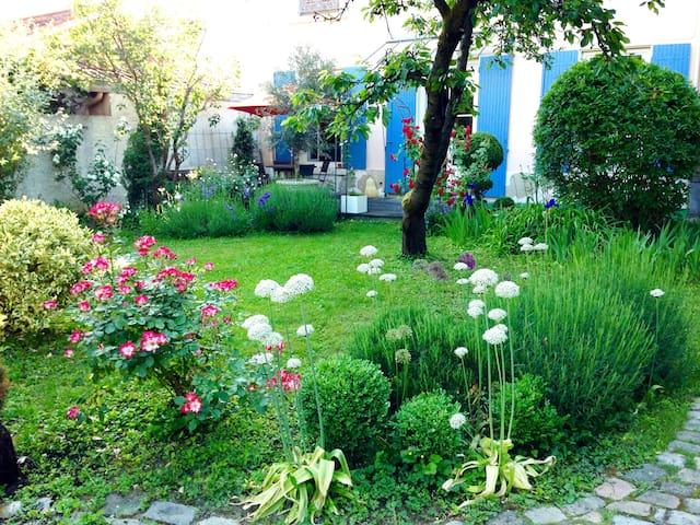 Un jardin en ville - Parking sécurisé