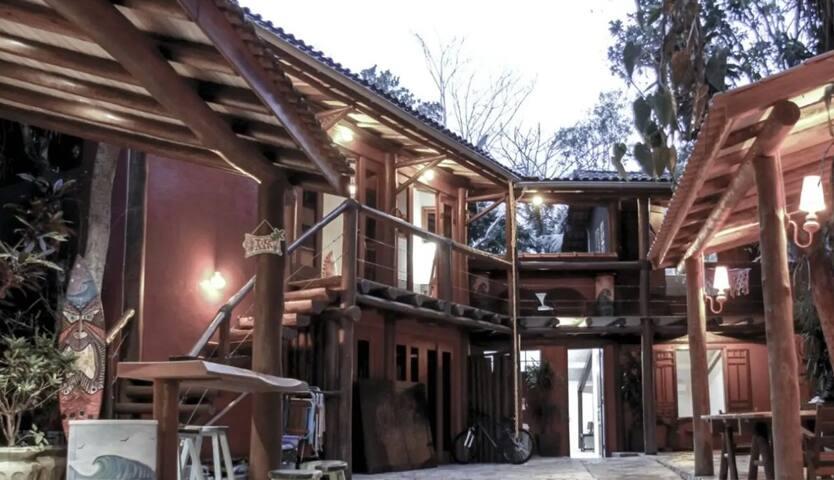 Gecko Home - Aloha House Camburizinho