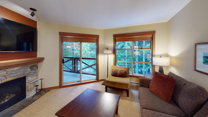 Ski into luxury 2 bedroom - Horstman House