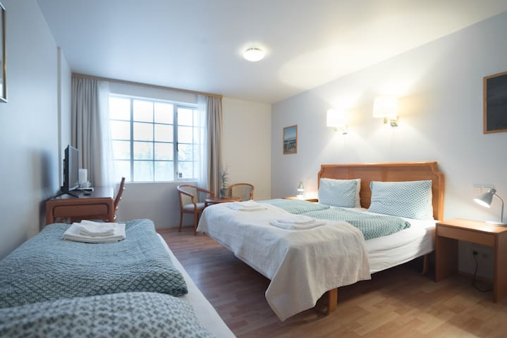 Triple Room -Private Bath & Breakfast Hotel Laxnes