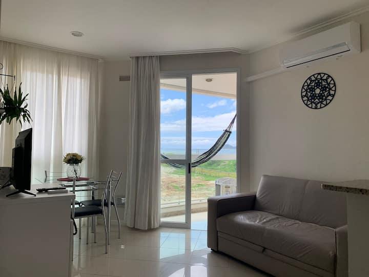Apto com vista para Ilha do Campeche. Excelente para Home Office