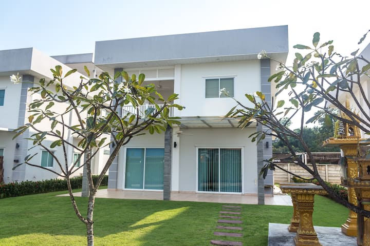 Ocean Bay Villa #3 for rent in Mae Phim