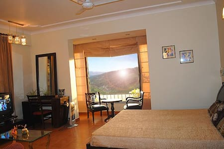 Homely stay with serene view McLeodganj - Dharamshala