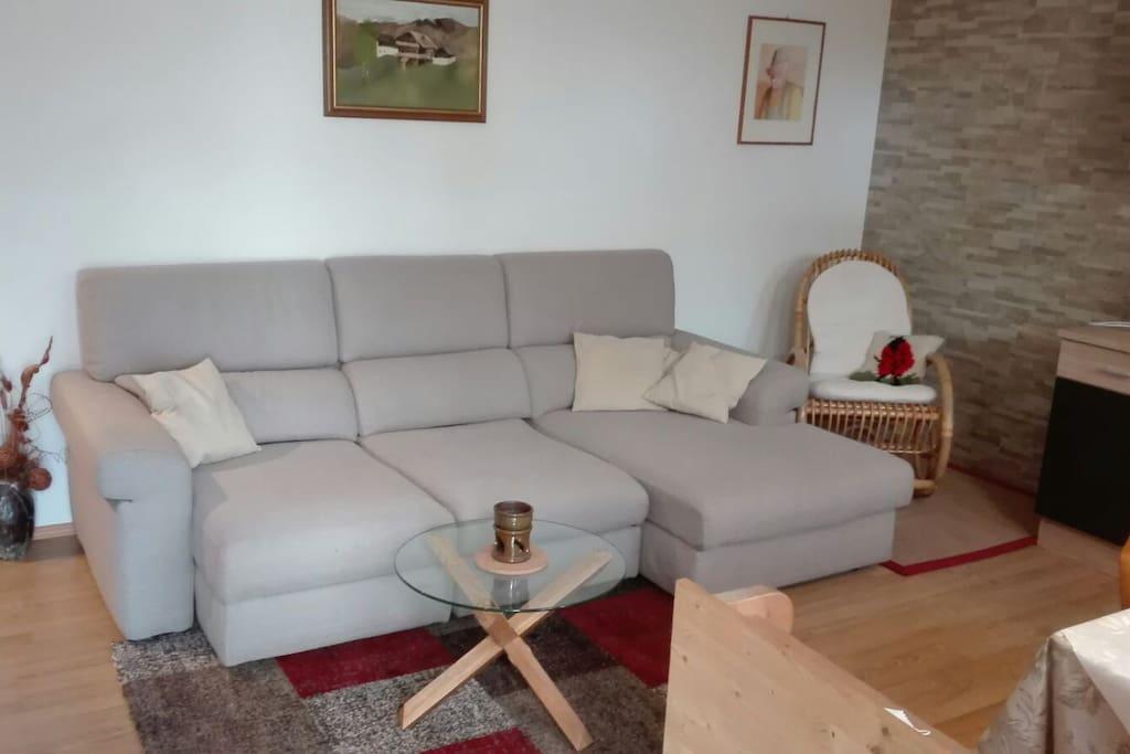 Couch zum enstapennen oder zum schlafen für einen weitere Person