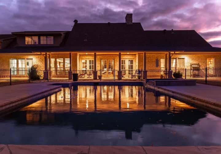 Amazing Sunset Ranch with pool near DFW